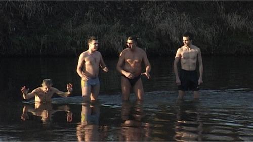 OŚWIĘCIM. Morsy z PWSZ zanurzyły się w Sole - ZOBACZ FILM