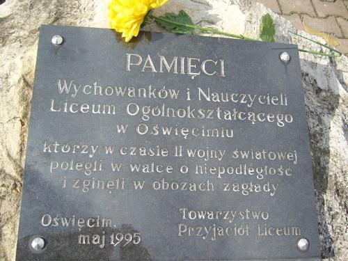 OŚWIĘCIM. Oddali życie za Ojczyznę. Pamięć o zbrodni katyńskiej w LO im. Stanisława Konarskiego