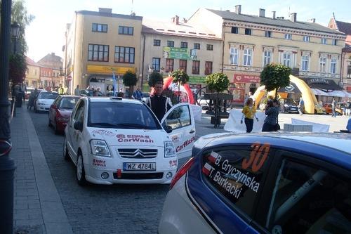 Oświęcim gościł uczestników samochodowego rajdu. Fot. (png)