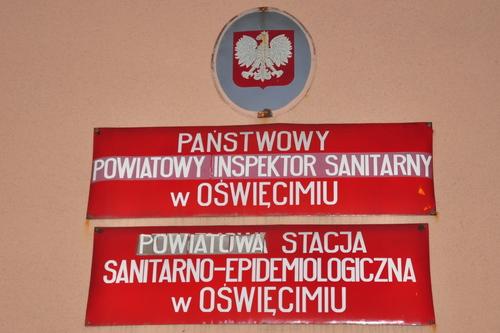 Sprawą zatrucia zbiorowego zajmuje się Powiatowa Stacja Sanitarno-Epidemiologiczna w Oświęcimiu