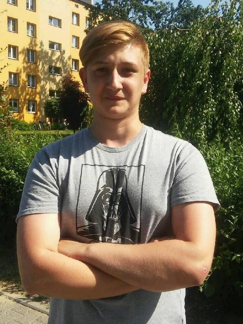 18-letni Przemysław Hutny zachował się wzorowo i pomógł trzylatkowi. Fot. sz