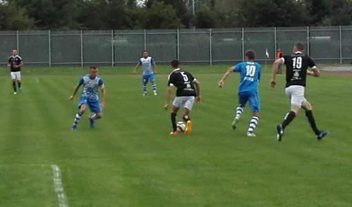 Piłkarze Unii zainaugurowali sezon meczem u siebie z Hutnikiem Nowa Huta. Fot. (png)