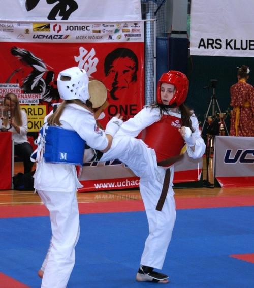 Znakomicie w mistrzostwach świata w kick-boxingu zaprezentowali się zawodnicy Oświęcimskiego Klubu Karate. Fot. zbiory klubu