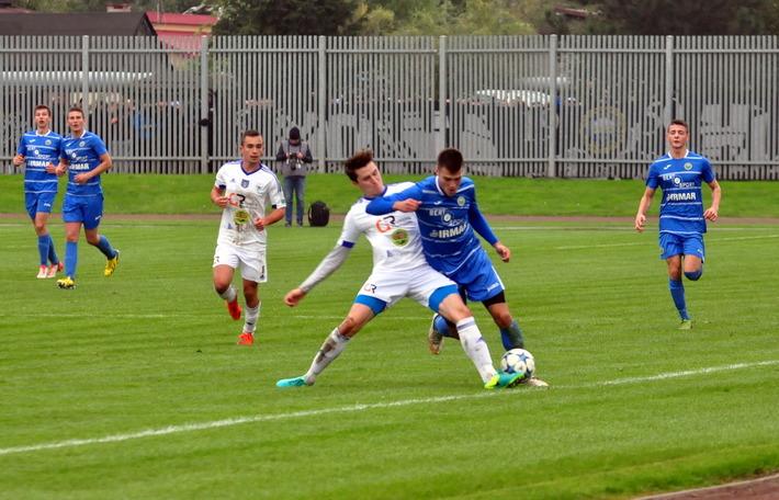 Piłkarze oświęcimskiej Unii awansowali na trzecie miejsce w tabeli czwartej ligi. Fot. Szymon Chabior