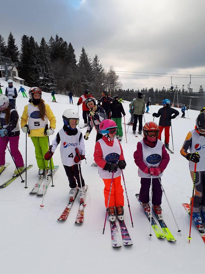Fot. W Spytkowicach o medale w narciarstwie alpejskim walczyli uczniowie oświęcimskich szkół. Fot. zbiory OświęcimSKI UKS