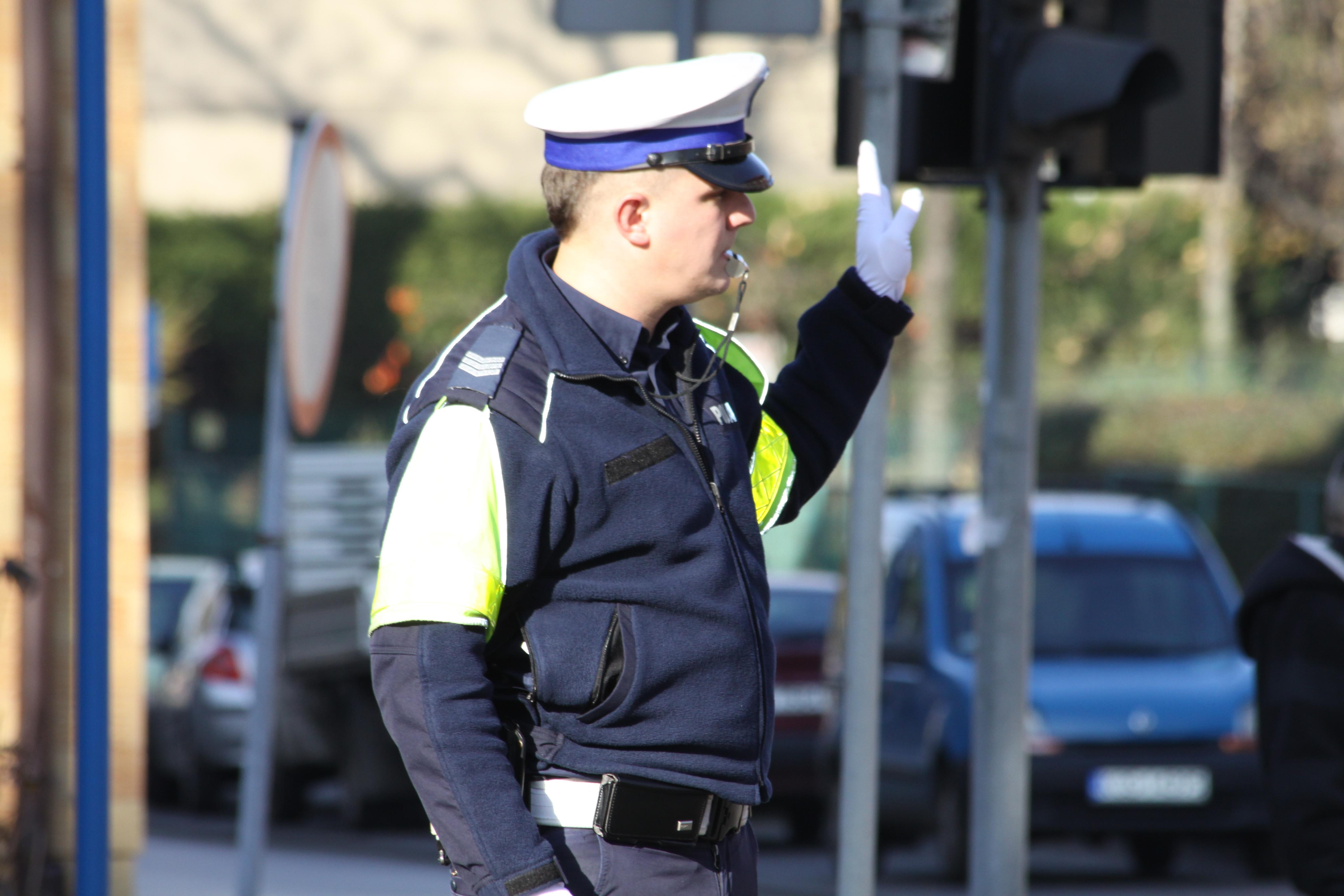 Policjanci codziennie dbają o bezpieczeństwo na drogach. Fot. KPP Oświęcim
