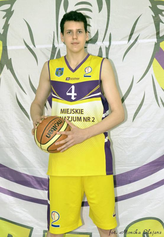 Szymon Zapała zadebiutował w barwach drugoligowego SMS PZKosz Władysławowo. Fot. zbiory UKS Kadet