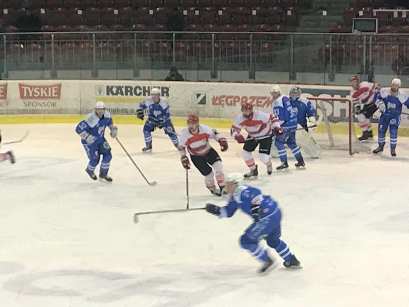 """Krakowskie """"Pasy"""" prowadzą w ćwierćfinałowej rywalizacji z Unią już 2:0. Fot. nadesłane"""