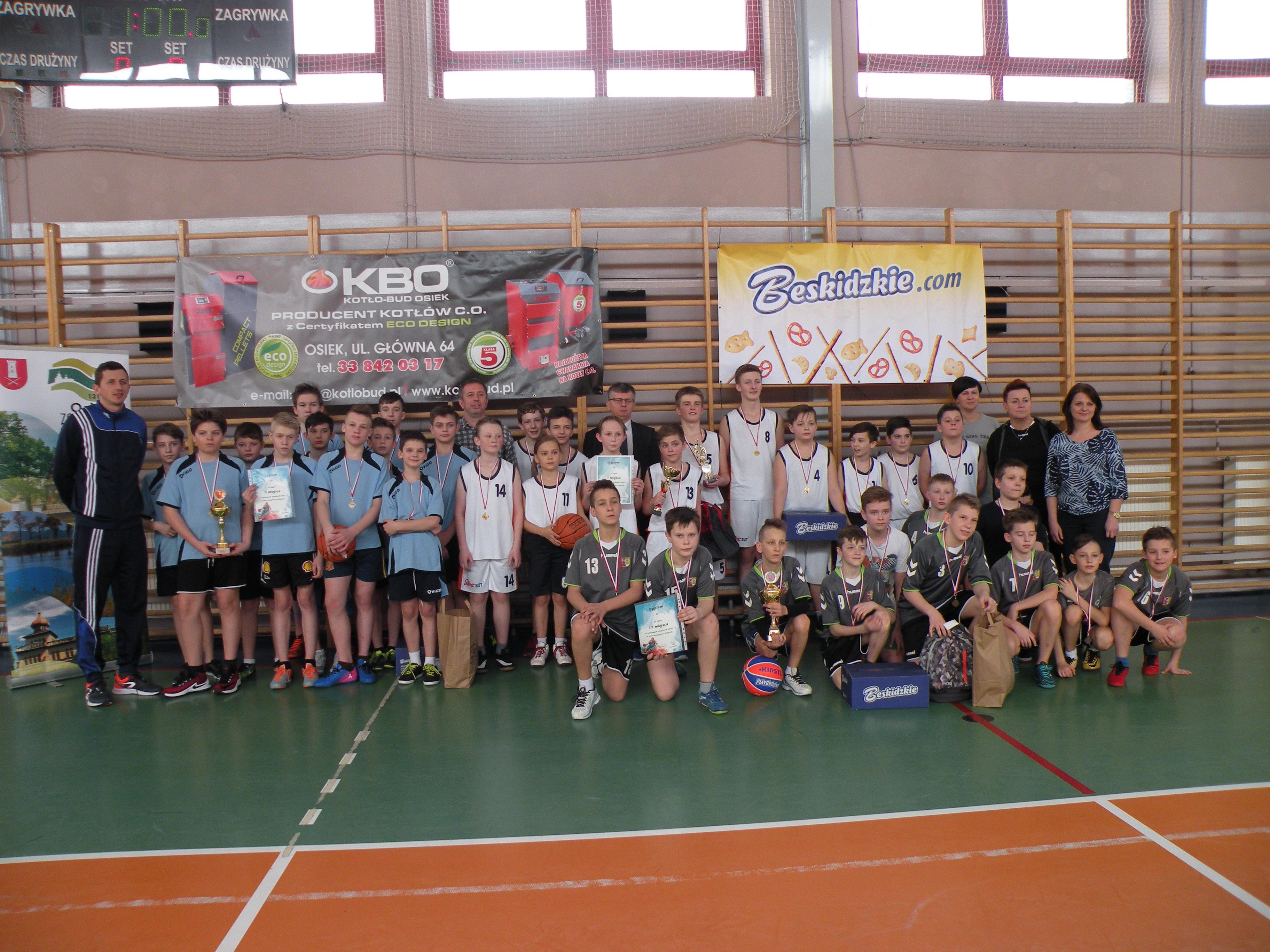 Powody do zadowolenia mają miłośnicy basketu w Osieku. Fot. nadesłane