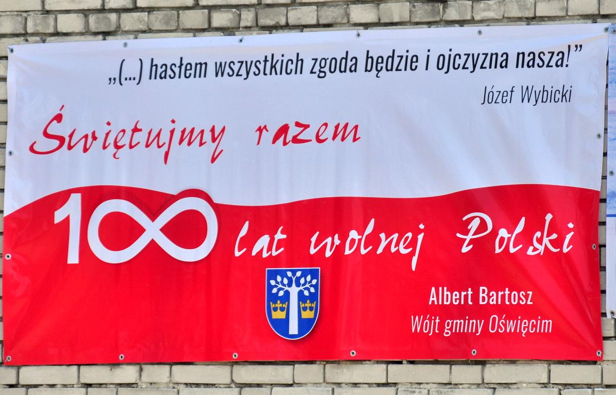 Jeden z banerów zawisł na budynku OSP we Włosienicy. Fot. Szymon Chabior