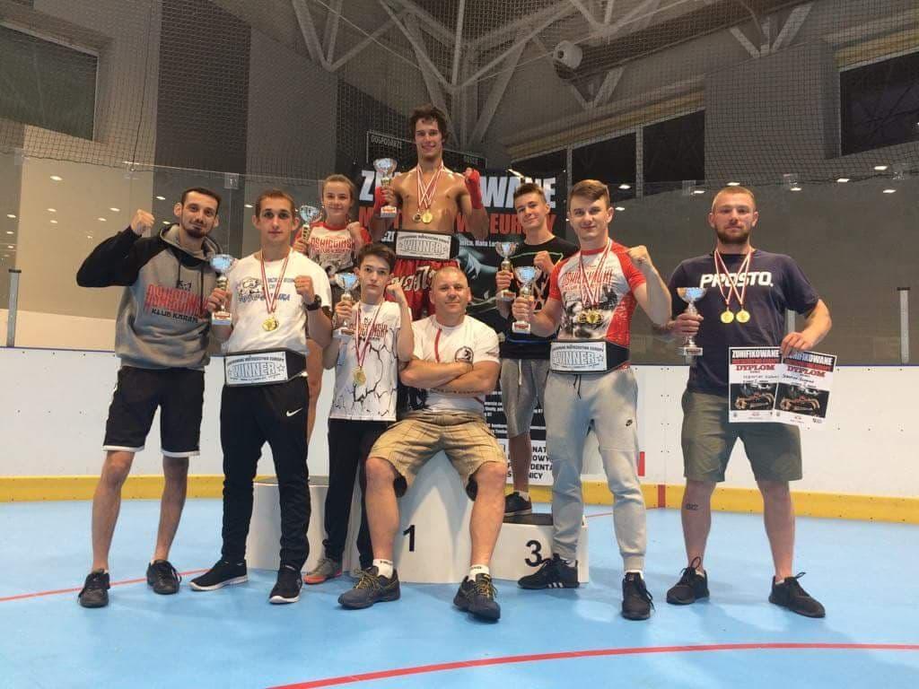 Oświęcimscy kick-boxerzy wywalczyli aż osiem medali w mistrzostwach Europy! Fot. zbiory klubu