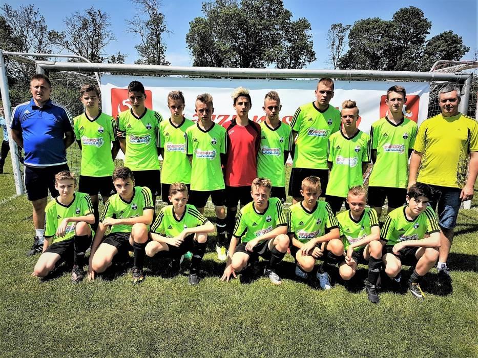 Młodzi piłkarze z Zatora zajęli wysokie, czwarte miejsce w ogólnopolskim turnieju trampkarzy. Fot. zbiory klubu