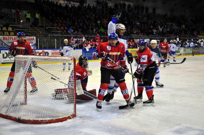 Unia rozpocznie nowy sezon od meczu na własnym lodzie z bytomską Polonią. Fot. Szymon Chabior