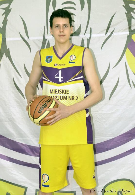 W dotychczasowym meczach na mistrzostwach Europy U-18 w koszykówce Szymon Zapała rzucił dwanaście punktów. Fot. Monika Olejarz/nadesłane