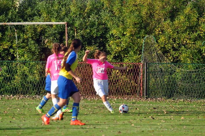 Iskierki rozpoczynają sezon od meczu na swoim stadionie z drugim zespołem Prądniczanki. Fot. Szymon Chabior