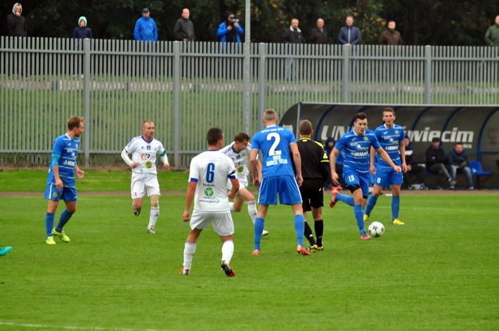 Po dziewięciu kolejkach rozgrywek czwartej ligi piłkarze oświęcimskiej Unii zajmują szóste miejsce w tabeli z dorobkiem 15 punktów. Fot. Szymon Chabior