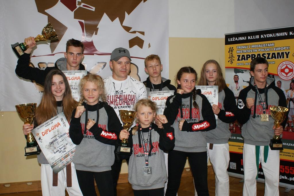 W zawodach otwarcia sezonu oświęcimscy karatecy wywalczyli dziewięć medali. Fot. zbiory Oświęcimskiego Klubu Karate