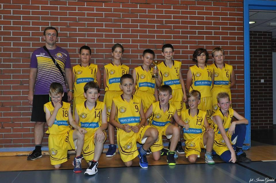 Drużyna UKS Kadet Oświęcim do lat 12 będzie w sobotę gospodarzem turnieju minikoszykówki chłopców. Fot. Iwona Gurdek