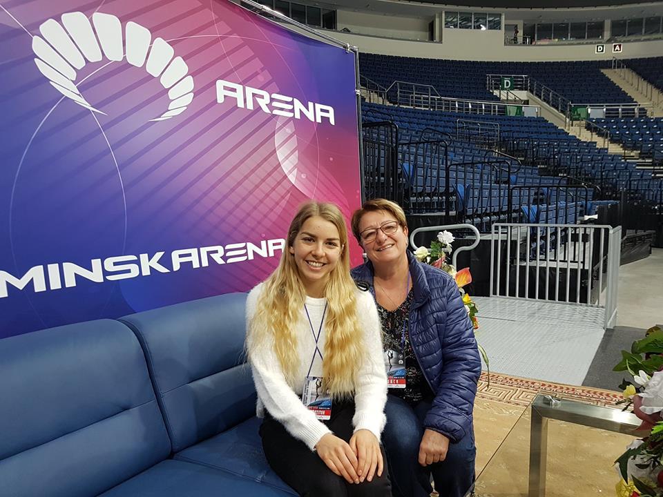 Elżbieta Gabryszak ze swoją trenerką, Iwoną Mydlarz-Chruścińską. Fot. zbiory UKŁF Molo Osiek