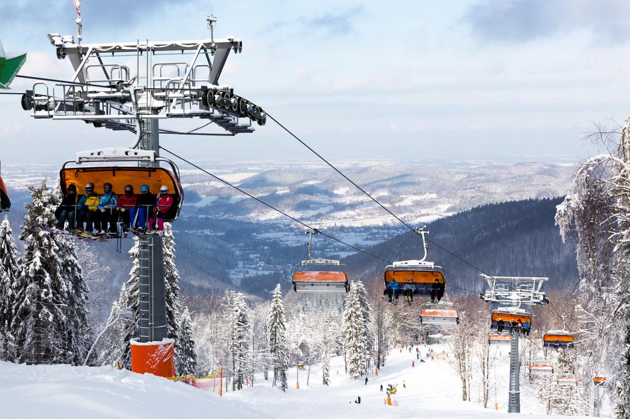 RZYKI. Rusza sezon narciarski w Czarnym Groniu