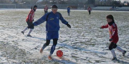 Tradycja rzecz święta, czyli piłkarski rok w Oświęcimiu otworzy derbowe starcie między Sołą i Unią. Fot (png)