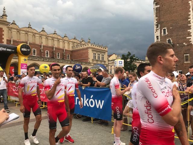 W piątek w krakowskim Rynku Głównym oficjalnie zaprezentowano wszystkich uczestników 76. edycji Tour de Pologne. Fot. (png)