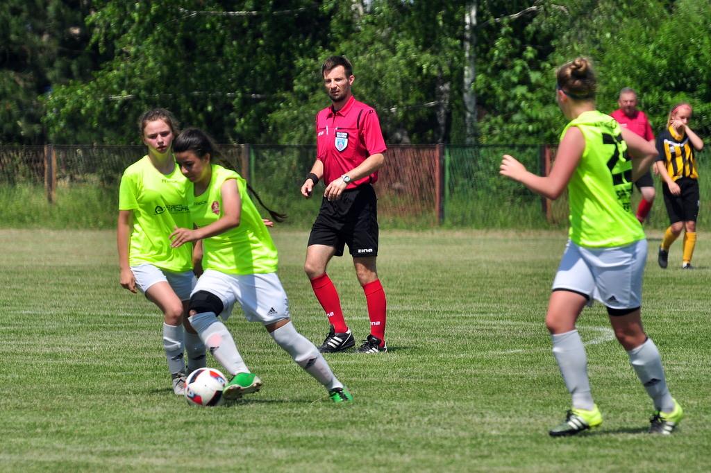 Piłkarki KKPN Iskry Brzezinka wywalczyły pierwszy punkt w drugoligowych rozgrywkach. Fot. Szymon Chabior