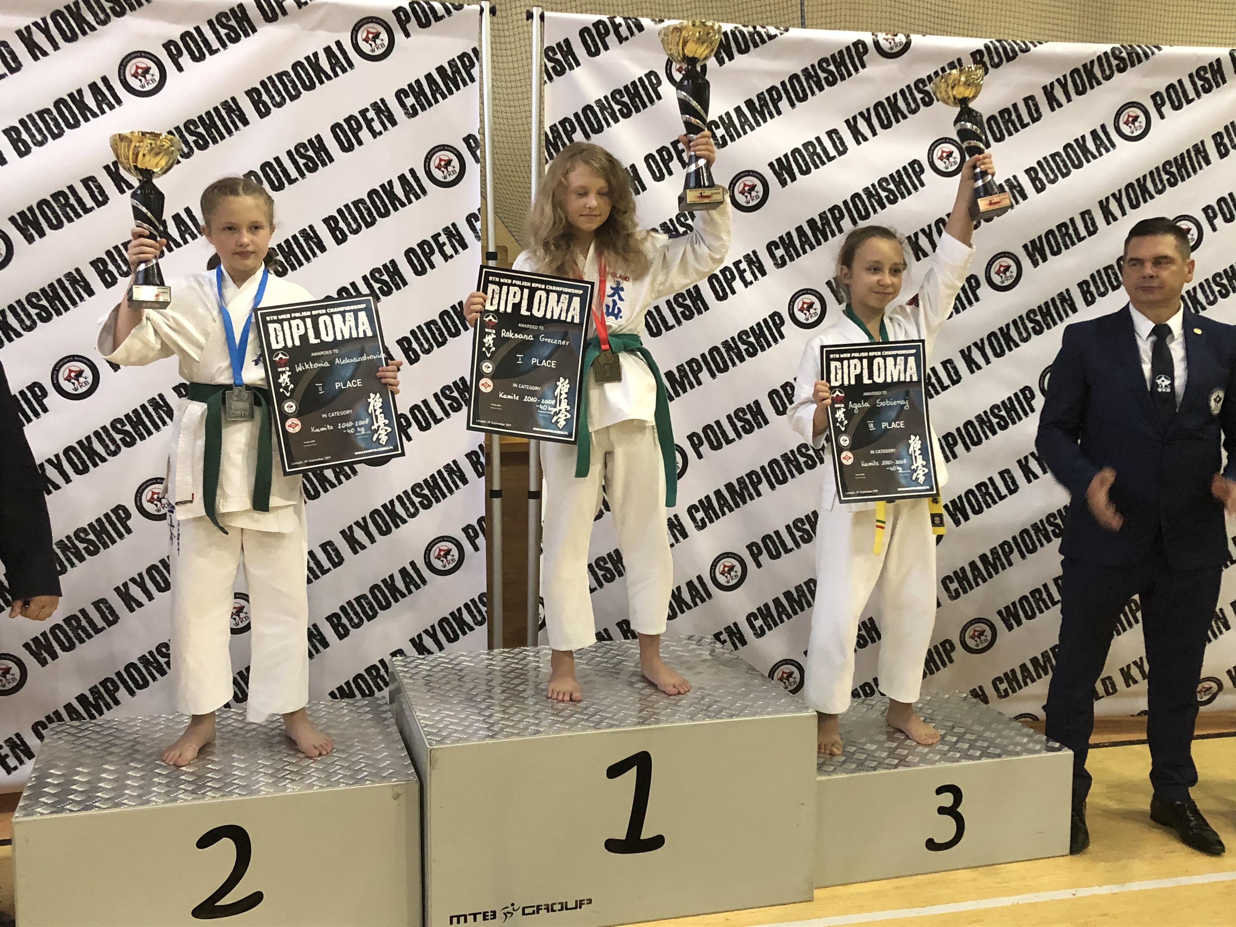 Na najwyższym stopniu podium zawodów WKB Polish Open Championship w Leżajsku stanęła Roksana Greczner z Oświęcimskiego Klubu Karate. Fot. zbiory OKK/nadesłane
