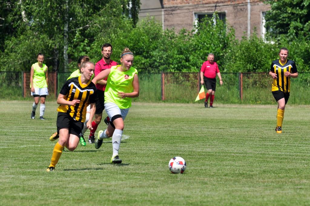 Dziś piłkarki KKPN Iskry Brzezinka poznają nowego trenera, który poprowadzi zespół w rundzie rewanżowej. Fot. Szymon Chabior
