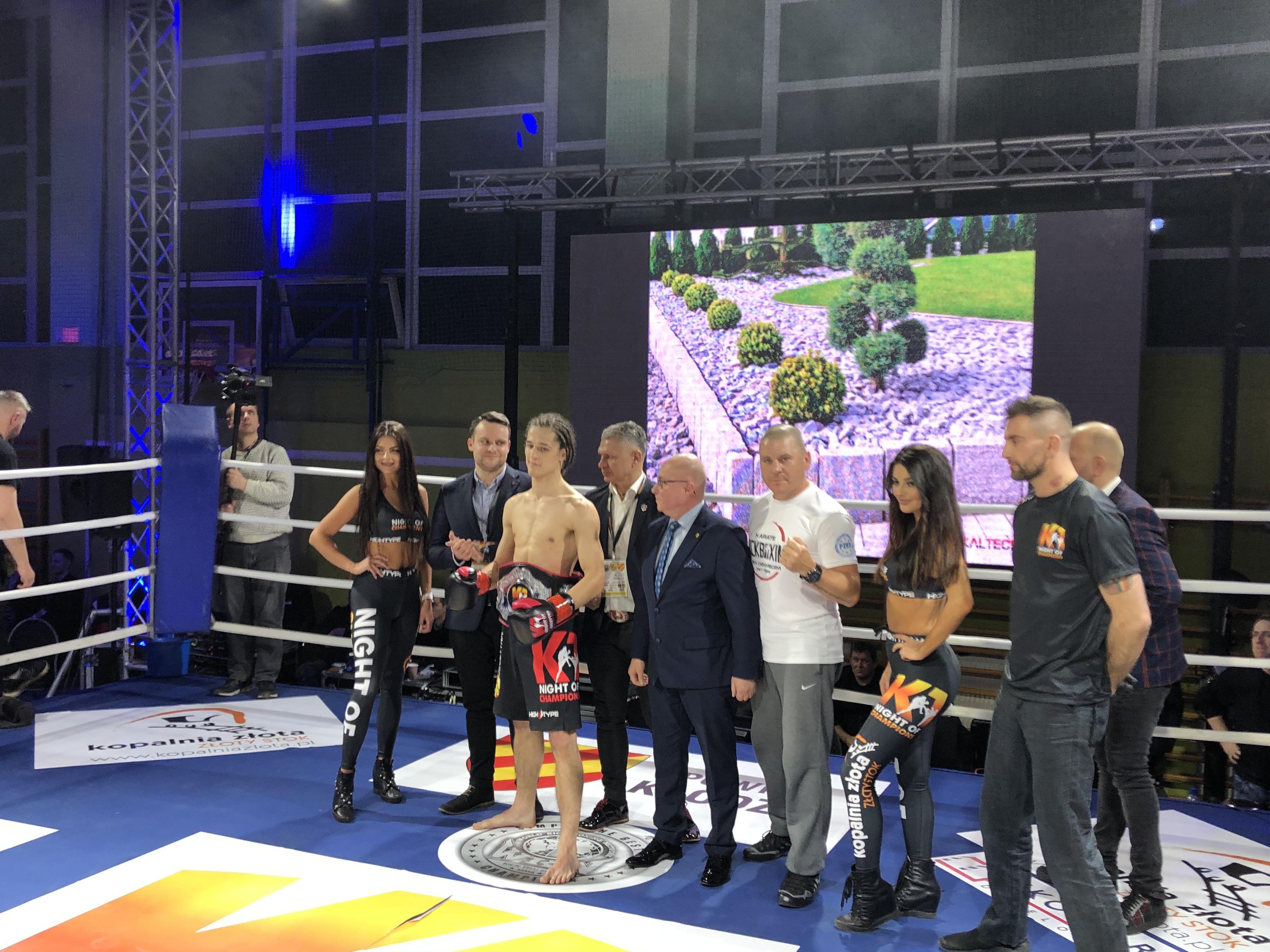 """Oświęcimscy kick-boxerzy pokazali się z bardzo dobrej strony podczas międzynarodowej zawodowej gali """"Night Of Champion"""". Fot. zbiory OKK/nadesłane"""