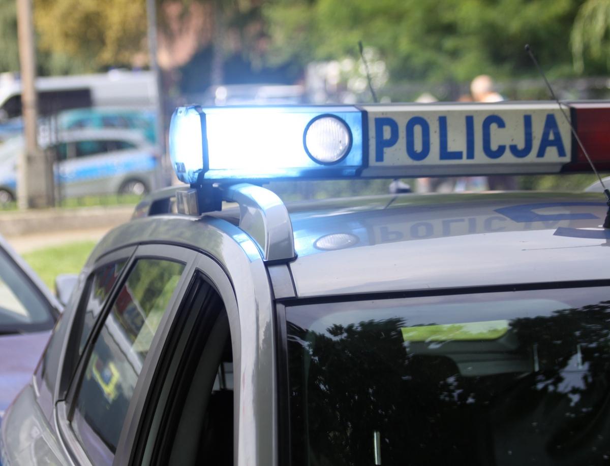 OŚWIĘCIM. Mieszkanka Oświęcimia i policjanci pomogli 60-latkowi