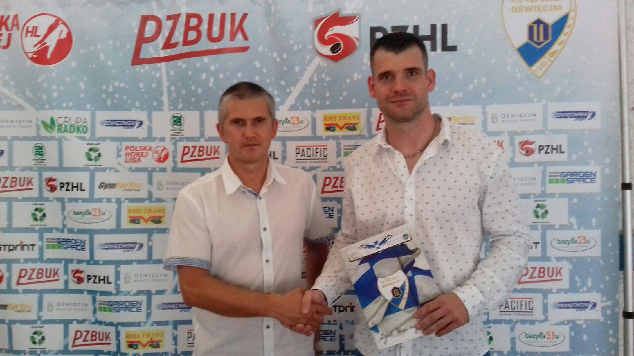 Miroslav Zatko (z prawej) zostaje w zespole Re-Plast Unii. Swój kontrakt z pozytywnym skutkiem renegocjował także Aleksiej Trandin. Fot. zbiory klubu/nadesłane