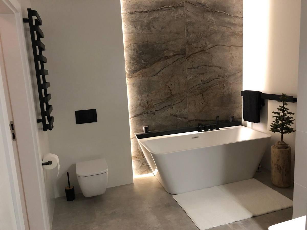 POWIAT. Urządzasz łazienkę? Powinieneś tutaj zajrzeć. Sanitrend salon łazienek oraz 1lazienka.pl