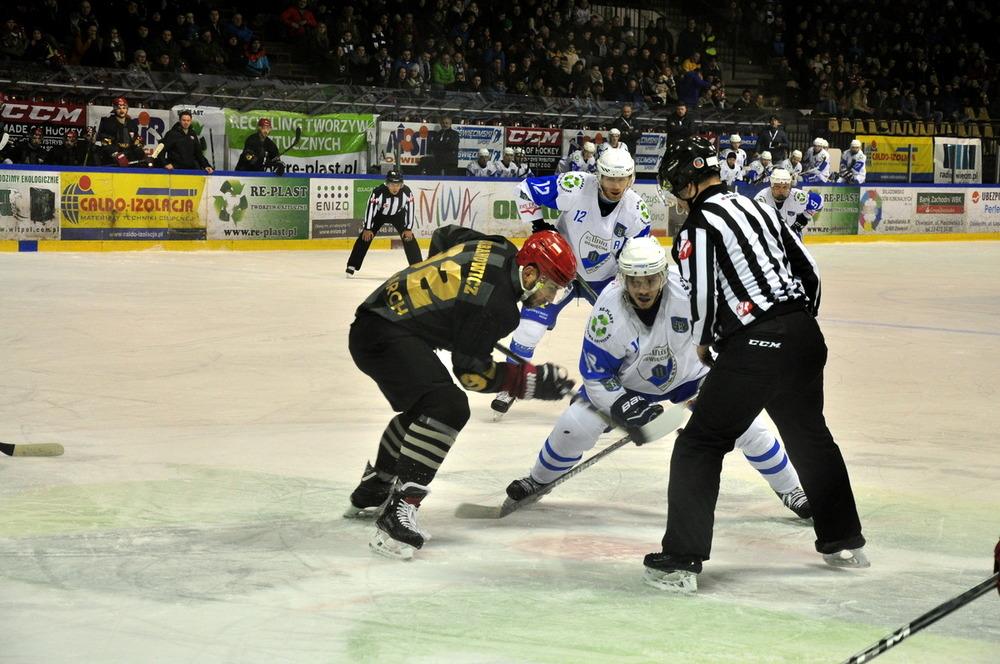 Przed ligową inauguracją oświęcimianie rozegrają jeszcze trzy sparingi we własnej hali lodowej. Fot. Szymon Chabior