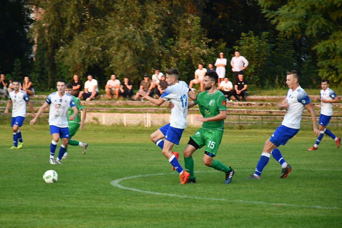 Po pierwszych pięciu wiosennych kolejkach w czwartej lidze nastąpi podział na grupy awansującą i spadkową. Fot. Szymon Chabior